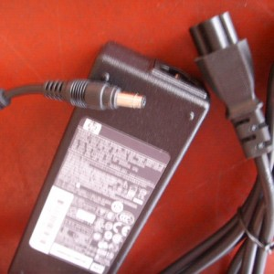 HP Compaq power adapter charger supply 90W